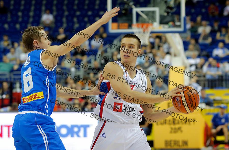 Serbia's Bogdan Bogdanovic controls the ball during European championship group B basketball match between Serbia and Iceland on 08. September 2015 in Berlin, Germany  (credit image & photo: Pedja Milosavljevic / STARSPORT)