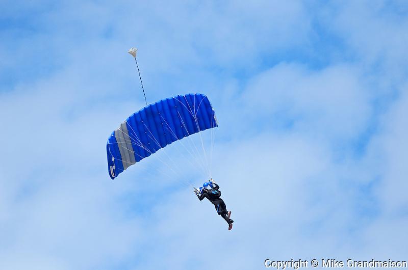 Hang gliding at the Icelandic Festival<br />Gimli<br />Manitoba<br />Canada