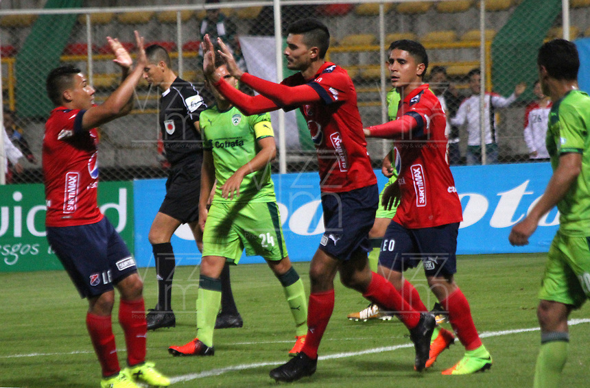 BOGOTA - COLOMBIA - 21 - 10 - 2017: Rodrigo Erramuspe jugador del Independiente Medellín celebra su gol contra La Equidad, durante partido entre La Equidad y el Indeendiente Medellín,  por la fecha 16 de la Liga Aguila II-2017, jugado en el estadio Metropolitano de Techo de la ciudad de Bogota. / Rodrigo Erramuspe player of Independiente Medellin celebrates his goal agaisnt of La Equidad, during a match between La Equidad and Indepndiente Medellin, for the  date 16nd of the Liga Aguila II-2017 at the Metropolitano de Techo Stadium in Bogota city, Photo: VizzorImage  /Felipe Caicedo / Staff.