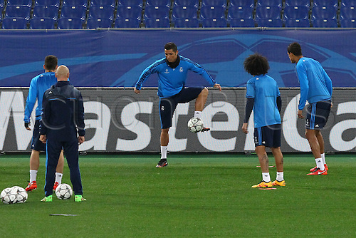 16.02.2016 Olimpico Stadium in Rome, Italy. Uefa Champions League,  training session Real Madrid. CRISTIANO Ronaldo and team mates warm up
