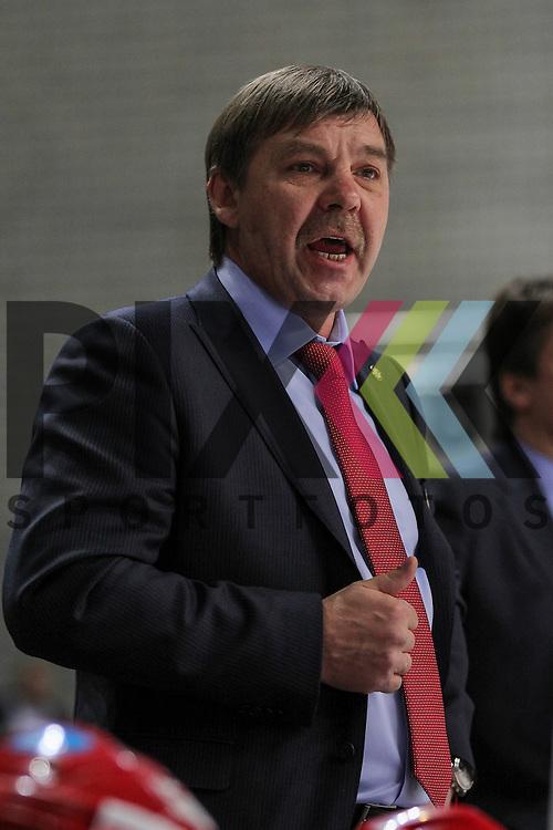 Russlands Oleg Znarok (Nationaltrainer) im Spiel IIHF WC15 Germany - Russia.<br /> <br /> Foto &copy; P-I-X.org *** Foto ist honorarpflichtig! *** Auf Anfrage in hoeherer Qualitaet/Aufloesung. Belegexemplar erbeten. Veroeffentlichung ausschliesslich fuer journalistisch-publizistische Zwecke. For editorial use only.