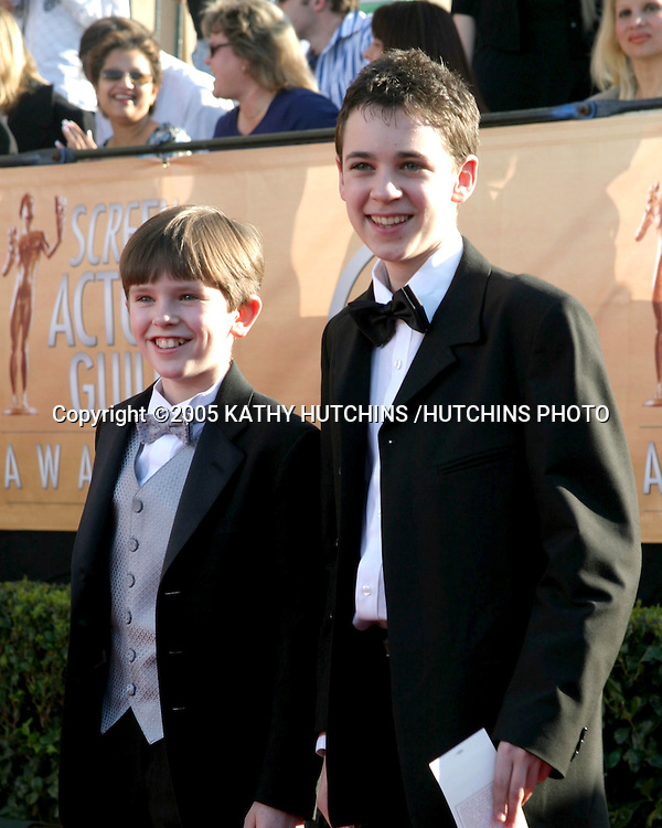 ©2005 KATHY HUTCHINS /HUTCHINS PHOTO.11TH SCREEN ACTOR'S GUILD AWARDS.SHRINE AUDITORIUM.LOS ANGELES, CA.FEBRUARY 5, 2005..FREDDIE HIGHMORE.JOE PROSPERO