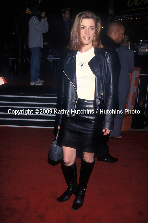 Cythia Gibb  arriving at the Premiere of Erin Brockovich at the Mann's Village Theater in Westwood, CA on.March 14, 2000.©2009 Kathy Hutchins / Hutchins Photo....                .