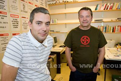 Genève, le 01.10.2008.jérome béguin et joel depomier à la rédaction de gauche hebdo..© Le Courrier / J.-P. Di Silvestro