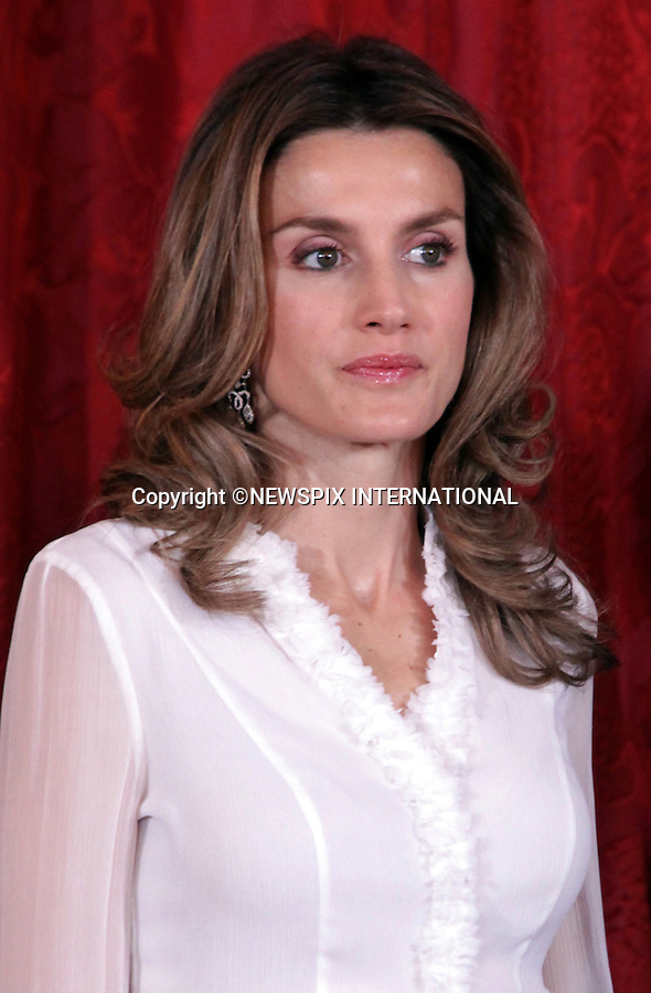 "CROWN PRINCESS LETIZIA.at the gala dinner for the visiting Hungarian President Laszlo Solyom and his wife, Erzsebet Solyom, Madrid_16/11/2009.Mandatory Credit Photo: ©NEWSPIX INTERNATIONAL..**ALL FEES PAYABLE TO: ""NEWSPIX INTERNATIONAL""**..IMMEDIATE CONFIRMATION OF USAGE REQUIRED:.Newspix International, 31 Chinnery Hill, Bishop's Stortford, ENGLAND CM23 3PS.Tel:+441279 324672  ; Fax: +441279656877.Mobile:  07775681153.e-mail: info@newspixinternational.co.uk"