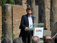 Dario Franceschini i negli scavi archeologici di Pompei per presentare Expo 2015,  18 Aprile 2015