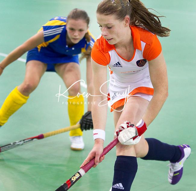 LEIPZIG - Aaanvoerder Belle van Meer, vrijdag tijdens de wedstrijd tussen Nederland en Oekraine (7-3) bij het EK Zaalhockey in Leipzig.  ANP KOEN SUYK