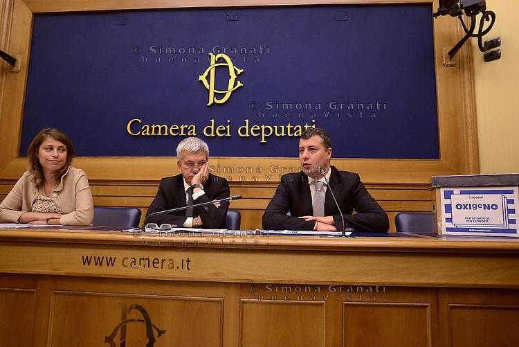 Roma 2 Luglio 2015<br /> Sinistra ecologia e Libert&agrave; in conferenza stampa per presentare le iniziative in sostegno al referendum greco.<br /> OXIgeNO.<br /> Elisabetta Piccolotti, Nichi Vendola, Arturo Scotto.