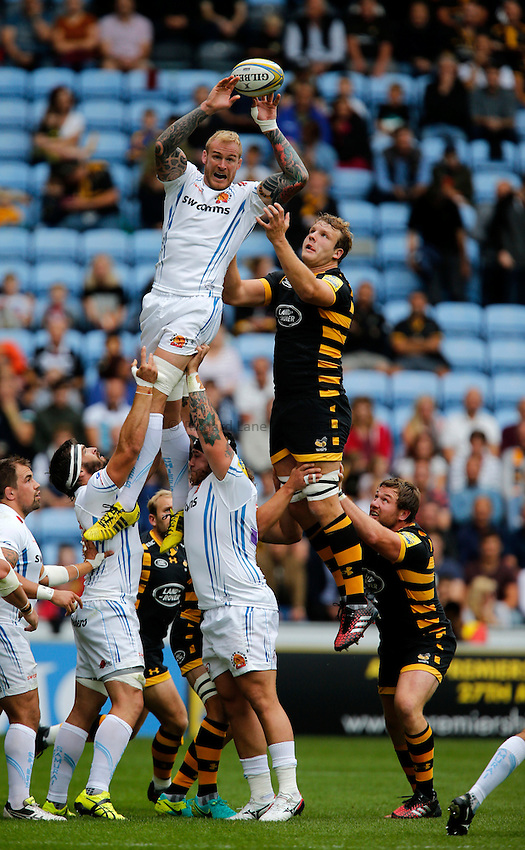 Photo: Richard Lane/Richard Lane Photography. Wasps v Exeter Chiefs. Aviva Premiership. 04/09/2016. Chiefs' Damian Welch wins a lineout.
