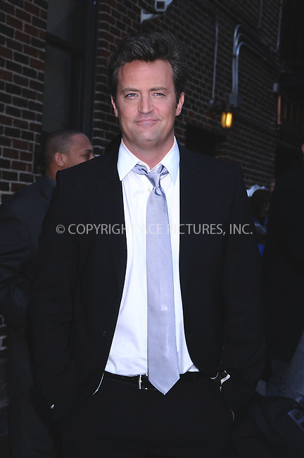 WWW.ACEPIXS.COM..April 16 2009, New York City..Actor Matthew Perry made an appearance at the 'Late show with David Letterman' at the Ed Sullivan Theatre on April 16 2009 in New York City...Please byline: AJ Sokalner - ACEPIXS.COM...*** ***...Ace Pictures, Inc.tel: (212) 243 8787.e-mail: info@acepixs.com.web: http://www.acepixs.com..