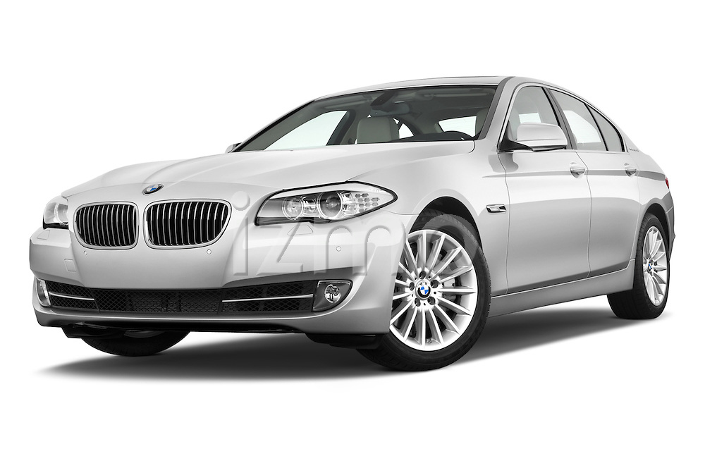 Low aggressive front three quarter view of a 2013 Bmw SERIES 5 ActiveHybrid 5 4 Door Sedan 2WD