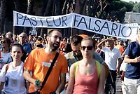 Roma, 22 Luglio 2017<br /> Pasteur falsario<br /> Corteo contro l'obbligo dei vaccini, per la libert&agrave; di scelta