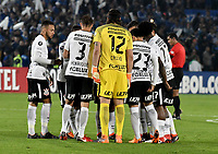 BOGOTA - COLOMBIA – 28 - 02 - 2018: Los jugadores de Corinthians (BRA), durante partido entre Millonarios (COL) y Corinthians (BRA), de la fase de grupos, grupo 7, fecha 1 de la Copa Conmebol Libertadores 2018, en el estadio Nemesio Camacho El Campin, de la ciudad de Bogota. / The players of Corinthians (BRA), during a match between Millonarios (COL) and Corinthians (BRA), of the group stage, group 7, 1st date for the Conmebol Copa Libertadores 2018 in the Nemesio Camacho El Campin stadium in Bogota city. VizzorImage / Luis Ramirez / Staff.