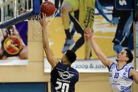 ZWOLLE - Basketbal, Landstede - Donar, Halve finale beker, seizoen 2017-2018, 18-02-2018, Donar speler Brandyn Curry met Landstede speler Jordan Gregory