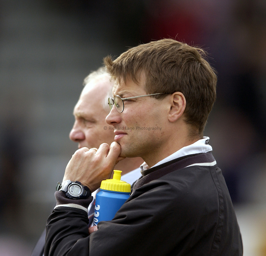 .Photo. Jed Wee.Newcastle Falcons v Saracens, Zurich Premiership, Kingston Park, Newcastle. 04/05/2003..Newcastle Director of Rugby Rob Andrew (R).