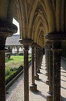 Europe/France/Basse-Normandie/50/Manche/Le Mont St-Michel: le cloître de l'abbaye
