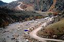 Iraq 2008.The Aso bridge camp in Candil during the winter season     Irak 2008. Le camp pour les personnes deplacees de la region de Candil
