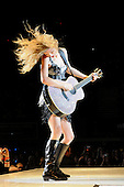 Nov 23, 2009: TAYLOR SWIFT - Wembley Arena London