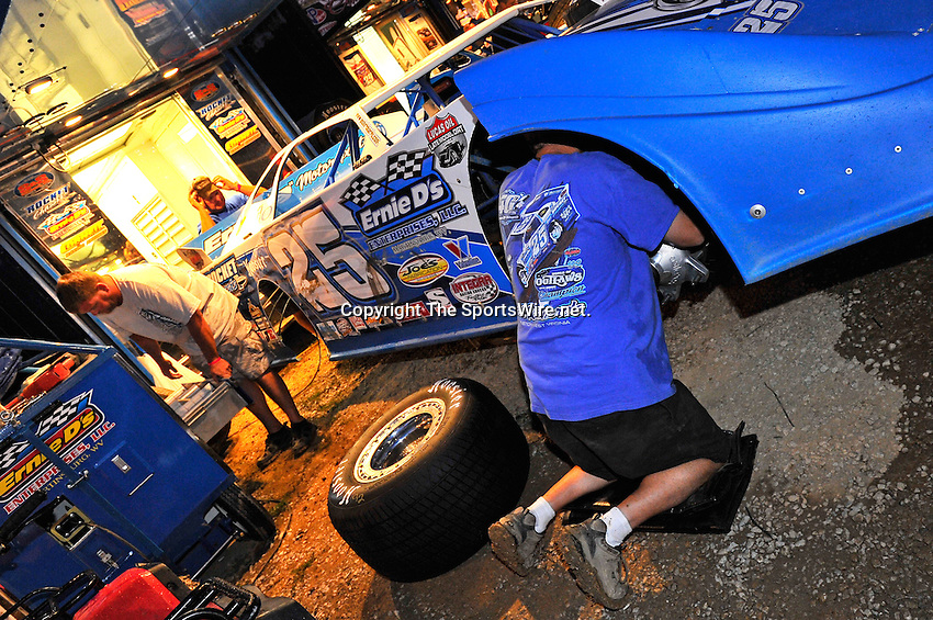 Aug 13, 2011; 8:57:33 PM; Union, KY., USA; The 29th Annual ìSunoco Race Fuels North/South 100î running a 50,000-to-win event presented by Lucas Oil at Florence Speedway in Union, KY. Mandatory Credit: (thesportswire.net)