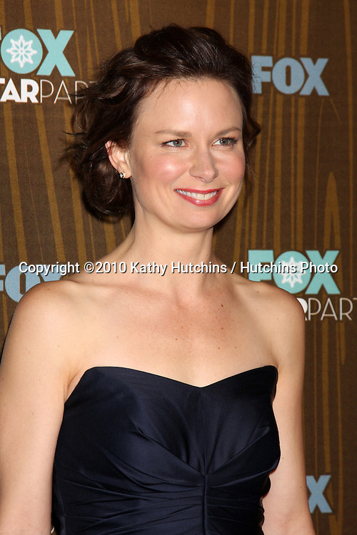 Mary Lynn Rajskub.arriving at the 2010 Winter Fox TCA Party .Villa Sorisso Resturant.Pasadena, CA.January 11, 2010.©2010 Kathy Hutchins / Hutchins Photo....