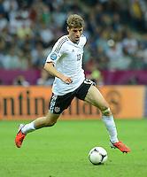 FUSSBALL  EUROPAMEISTERSCHAFT 2012   HALBFINALE Deutschland - Italien              28.06.2012 Thomas Mueller (Deutschland) Einzelaktion am Ball