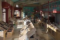 Europe/fFrance/Aquitaine/33/Gironde/Pauillac: Au hameau de Bages  le  Bages's Bazar créé par Jean-Michel Cazes
