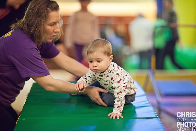 02/12/12 - Kalamazoo, MI: Kalamazoo Baby & Family Expo.  Photo by Chris McGuire.  R#7