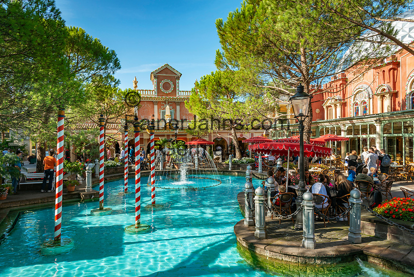 Germany, Baden-Wurttemberg, Rust (Baden): Europa-Park - Italian feeling at themed area Italy | Deutschland, Baden-Wuerttemberg, Rust (Baden) im Ortenaukreis: Europa-Park - italienisches Flair im Themenbereich Italien