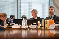 Am 2. Juni 2016 fand die 20. Sitzung des 2. NSU-Untersuchungsausschusses des Deutschen Bundestag statt. Als Zeuge der nichtöffentlichen Sitzung war Hans-Georg Maassen, Praesident des Bundesamt fuer Verfassungsschutz geladen.<br /> Im Bild vlnr: Armin Schuster, Ausschuss-Obmann der CDU und Clemens Binninger Ausschussvorsitzender, CDU sowie ein Mitarbeiter des Ausschusssekretariats.<br /> 2.6.2016, Berlin<br /> Copyright: Christian-Ditsch.de<br /> [Inhaltsveraendernde Manipulation des Fotos nur nach ausdruecklicher Genehmigung des Fotografen. Vereinbarungen ueber Abtretung von Persoenlichkeitsrechten/Model Release der abgebildeten Person/Personen liegen nicht vor. NO MODEL RELEASE! Nur fuer Redaktionelle Zwecke. Don't publish without copyright Christian-Ditsch.de, Veroeffentlichung nur mit Fotografennennung, sowie gegen Honorar, MwSt. und Beleg. Konto: I N G - D i B a, IBAN DE58500105175400192269, BIC INGDDEFFXXX, Kontakt: post@christian-ditsch.de<br /> Bei der Bearbeitung der Dateiinformationen darf die Urheberkennzeichnung in den EXIF- und  IPTC-Daten nicht entfernt werden, diese sind in digitalen Medien nach §95c UrhG rechtlich geschuetzt. Der Urhebervermerk wird gemaess §13 UrhG verlangt.]