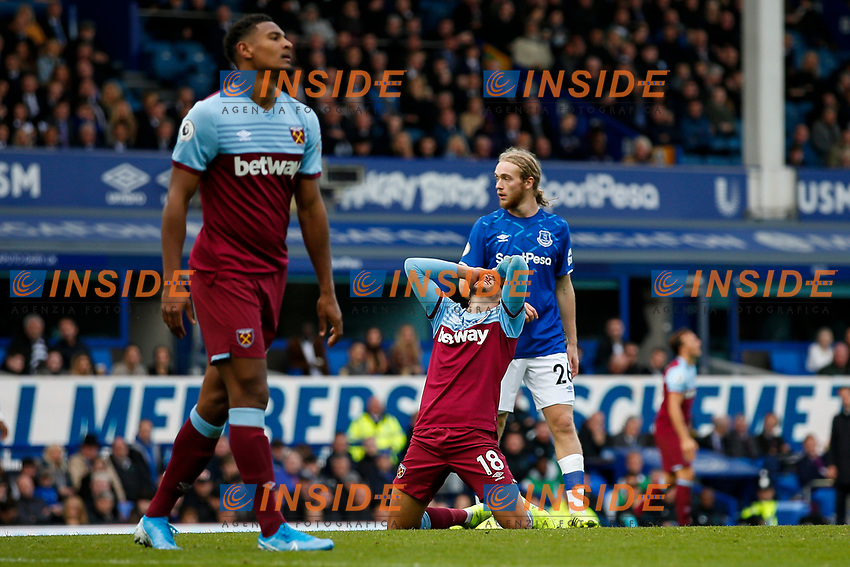 Pablo Fornals of West Ham United looks dejected after a missed chance during the Premier League match between Everton and West Ham United at Goodison Park on October 19th 2019 in Liverpool, England. (Photo by Daniel Chesterton/phcimages.com)<br /> Foto PHC/Insidefoto <br /> ITALY ONLY