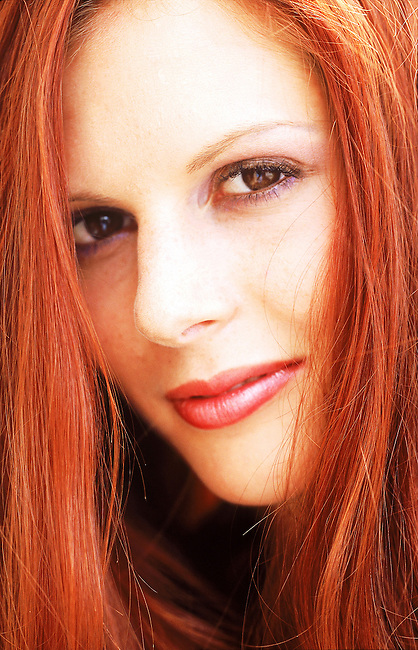 Beaute, femme rousse souriant *** Smiling red haired woman, Female Beauty