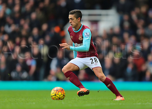 27.02.2016. Boleyn Ground, London, England. Barclays Premier League. West Ham versus Sunderland. West Ham United Midfielder Manuel Lanzini on the ball
