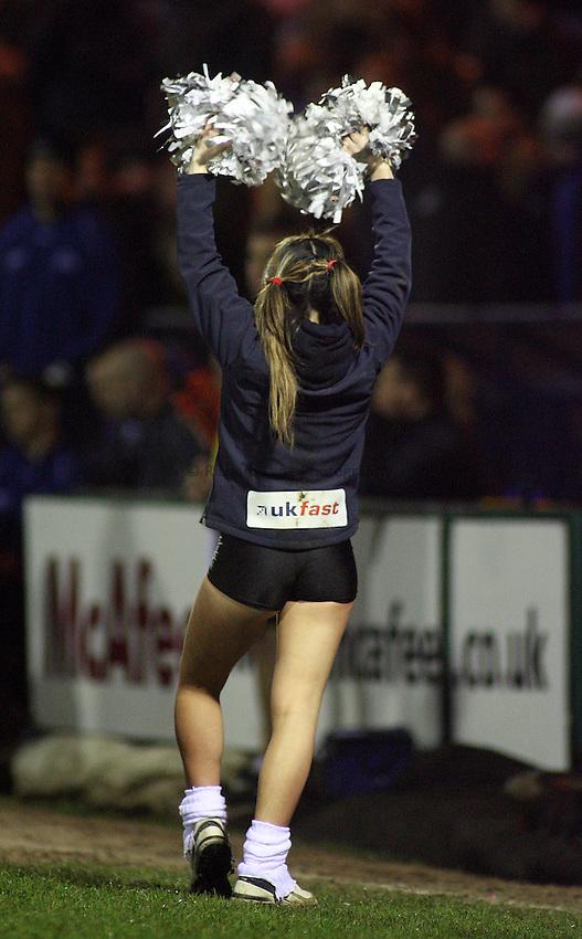 Photo: Paul Thomas..Sale Sharks v Gloucester Rugby. Guinness Premiership. 06/01/2007...Sale Cheerleader.