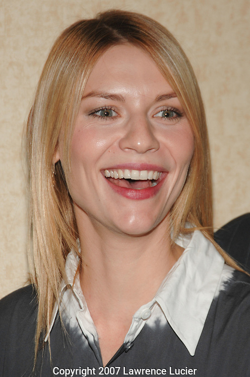 Actress Claire Danes arrives at the Motion Picture Club's 67th Annual Awards Luncheon October 11, 2007, at the Marriot Marquis in New York City.. (Pictured : CLAIRE DANES).