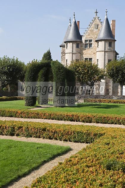 Europe/France/Pays de la Loire/49/Maine-et-Loire/ Angers:Le Château,  à l'intérieur de la forteresse  le Châtelet  XV° siècle, et ses jardins