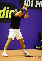 17-12-06,Rotterdam, Tennis Masters 2006,   Raemon Sluiter applaudiseert voor een mooie bal van zijn tegenstander Robin Haase