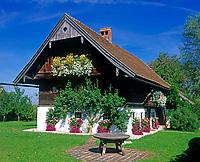 AUT, Oesterreich, Salzburger Land, Arnsdorf, altes Bauernhaus | AUT, Austria, Salzburger Land, Arnsdorf, old farmhouse
