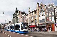 Nederland Amsterdam 2015.  Tram op het Damrak