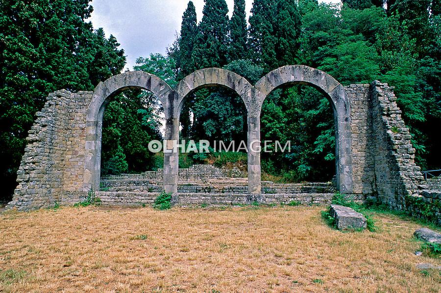 Ruínas do império romano em Fiesole, Itália. 1998. Foto de Juca Martins.