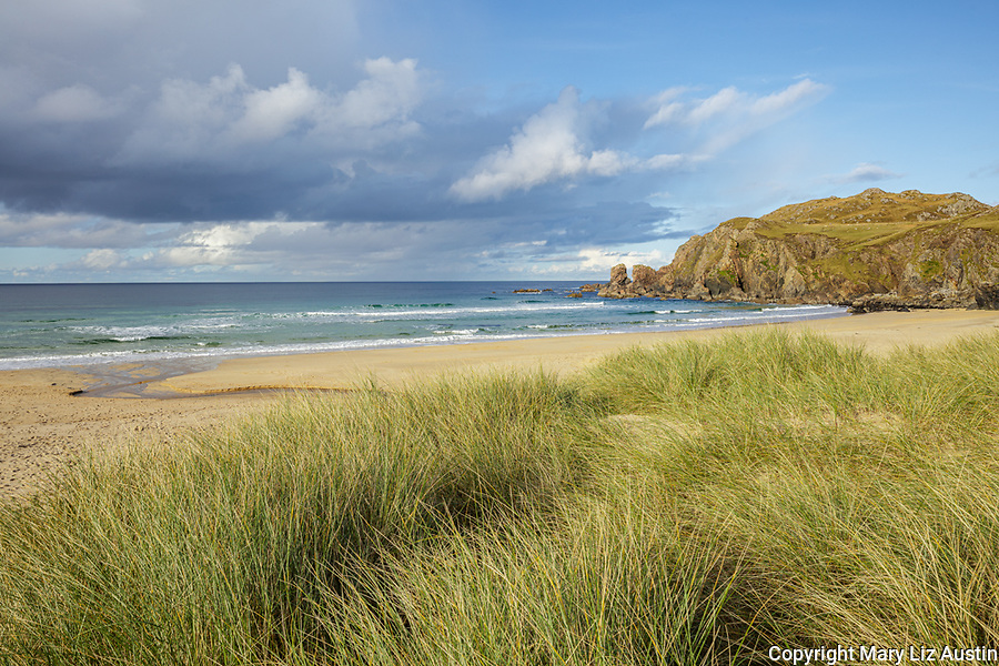 Isle of Lewis and Harris, Scotland: Dunes grasses and secluded beach of Dail Mor (Dalmore) beach on the north side of Lewis Island