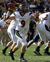 20 October 2007: Cincinnati Bearcats quarterback Ben Mauk..The Pitt Panthers defeated the Cincinnati Bearcats 24-17 on October 20, 2007 at Heinz Field, Pittsburgh, Pennsylvania.