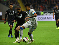 Weston McKennie (FC Schalke 04) gegen Gelson Fernandes (Eintracht Frankfurt) - 11.11.2018: Eintracht Frankfurt vs. FC Schalke 04, Commerzbank Arena, DISCLAIMER: DFL regulations prohibit any use of photographs as image sequences and/or quasi-video.