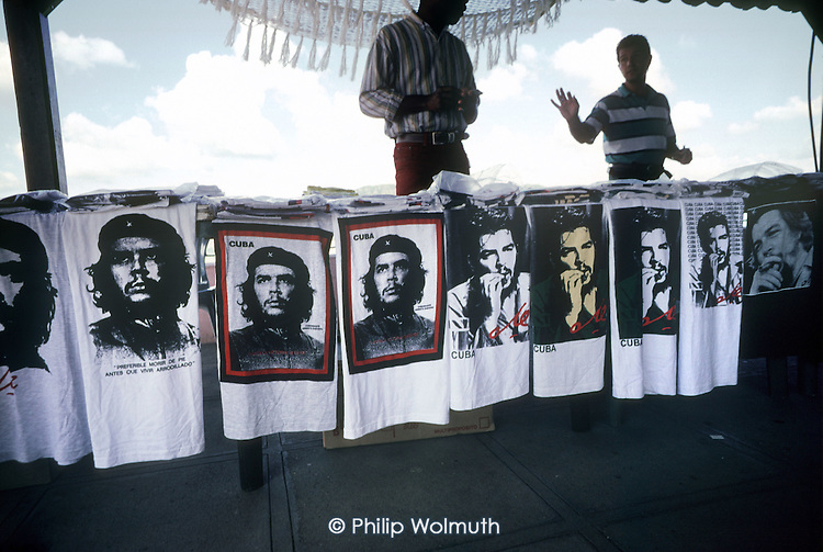 Selling Che Guevara T shirts at a roadside stall frequented by passing tourist buses in Pinar del Rio province