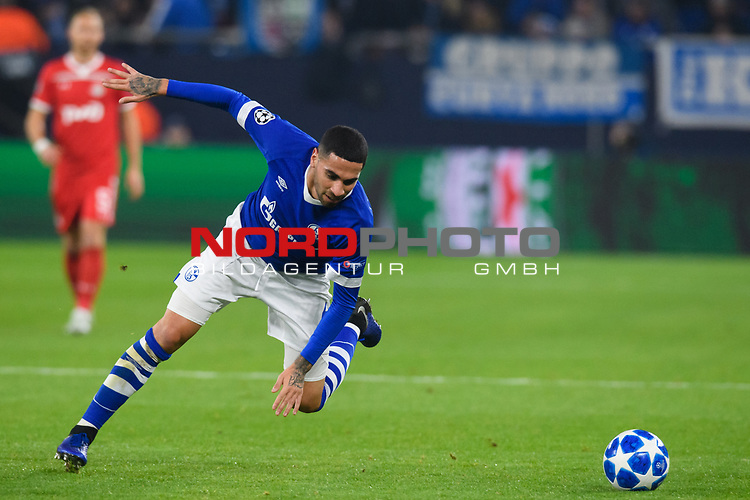 11.12.2018, VELTINS Arena, Gelsenkirchen, Deutschland, GER, UEFA Champions League, Gruppenphase, Gruppe D, FC Schalke 04 vs. FC Lokomotiv Moskva / Moskau<br /> <br /> DFL REGULATIONS PROHIBIT ANY USE OF PHOTOGRAPHS AS IMAGE SEQUENCES AND/OR QUASI-VIDEO.<br /> <br /> im Bild Omar Mascarell (#6 Schalke)<br /> <br /> Foto &copy; nordphoto / Kurth