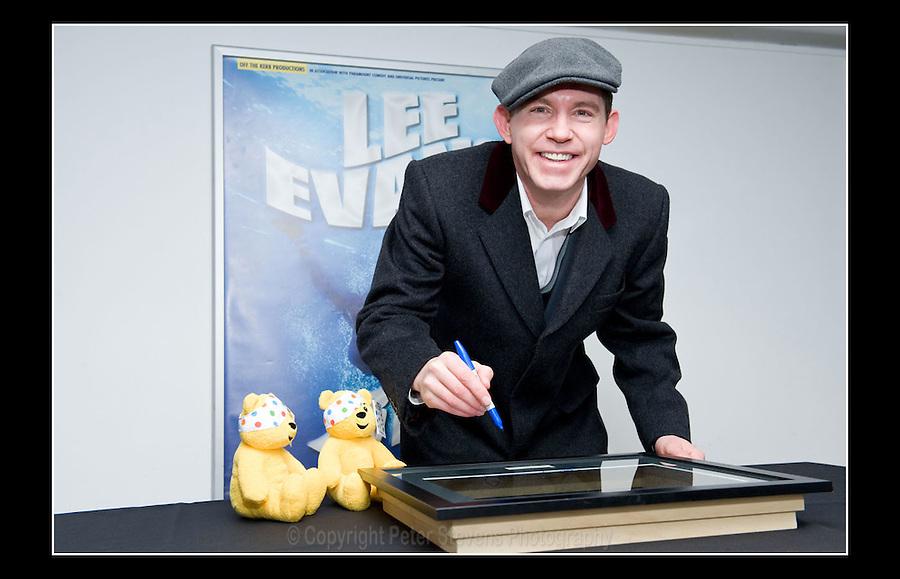 Lee Evans - Square of Fame - Wembley Arena, London - 30th October 2008