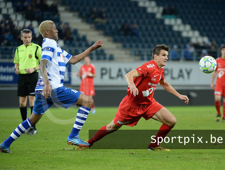 AA Gent - KV Kortrijk : Ivan Santini (rechts) aan de bal voor Valery Nahayo (links)<br /> foto VDB / Bart Vandenbroucke