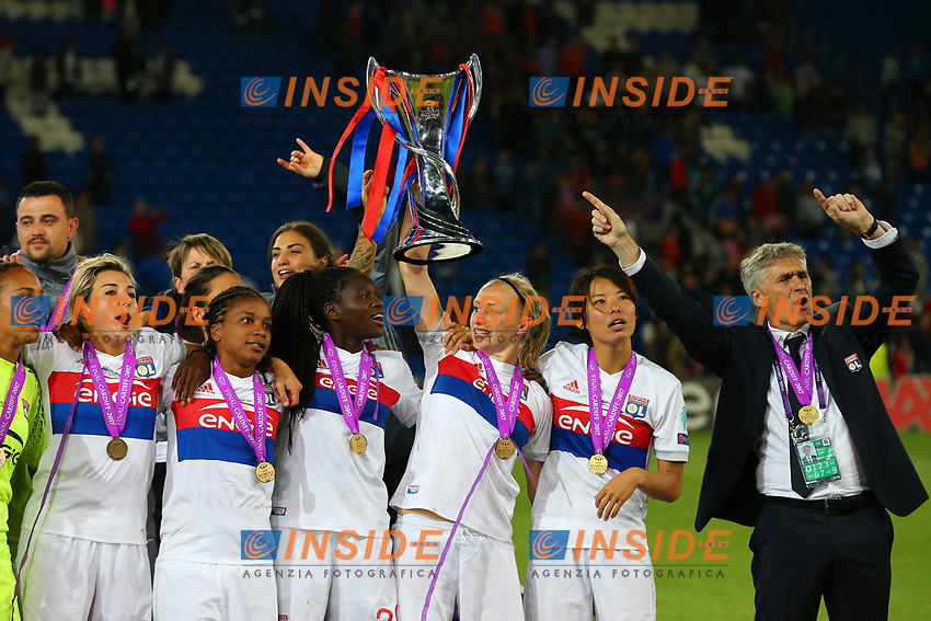 Celebrazione Coppa Olympique Lyonnais vince il trofeo, Celebration Cup Olympique Lyonnais Wins the trophy<br /> Cardiff 01-06-2017  Cardiff City Stadium <br /> Football Women's Champions League Final 2016/2017 <br /> Olympique Lyonnais - Paris Saint Germain<br /> Foto Cesare Purini / Insidefoto