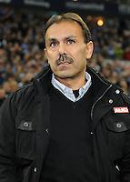 FUSSBALL   1. BUNDESLIGA   SAISON 2011/2012    15. SPIELTAG FC Schalke 04 - FC Augsburg            04.12.2011 Trainer Jos Luhukay (FC Augsburg)