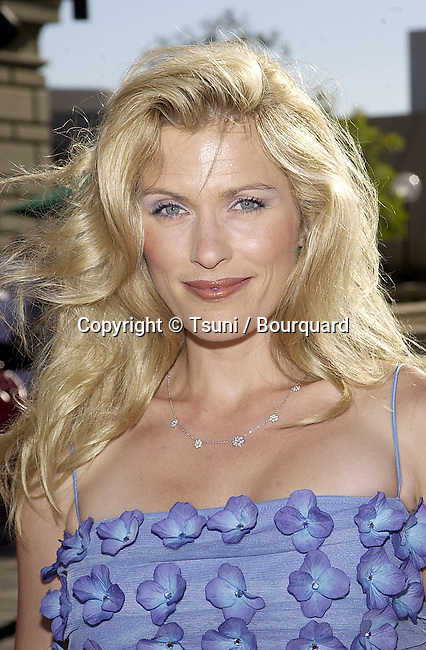 Brenda Epherson arriving at the Academy of  Television Arts and Sciences 53th Annual Los Angeles Area emmy Awards  at the Civic Auditorium in Pasadena, Los Angeles.  June 23, 2001  © TsuniEphersonBrenda10.jpg