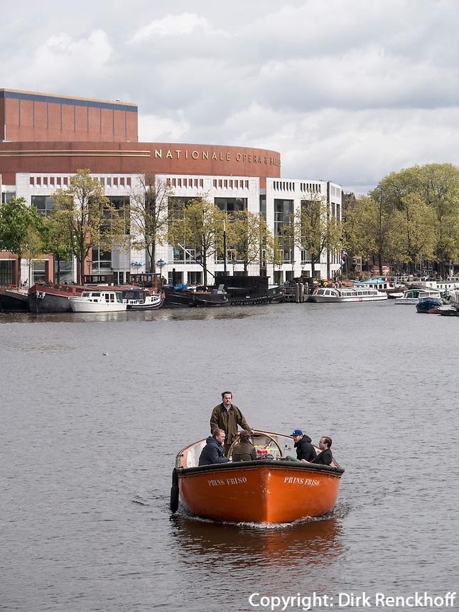 Amstel bei Nationale Opera + Ballet, Amsterdam, Provinz Nordholland, Niederlande<br /> Amstel and Nationale Opera + Ballet, Amsterdam, Province North Holland, Netherlands